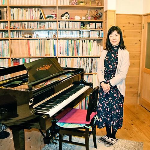 ウジイエピアノ教室 レッスン室と先生