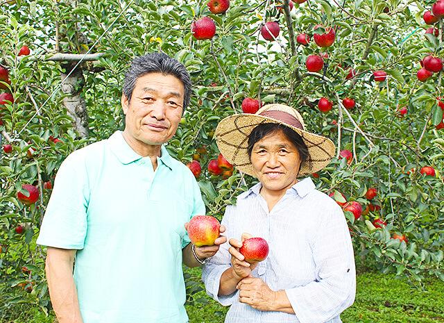 菊地りんご園のご夫婦