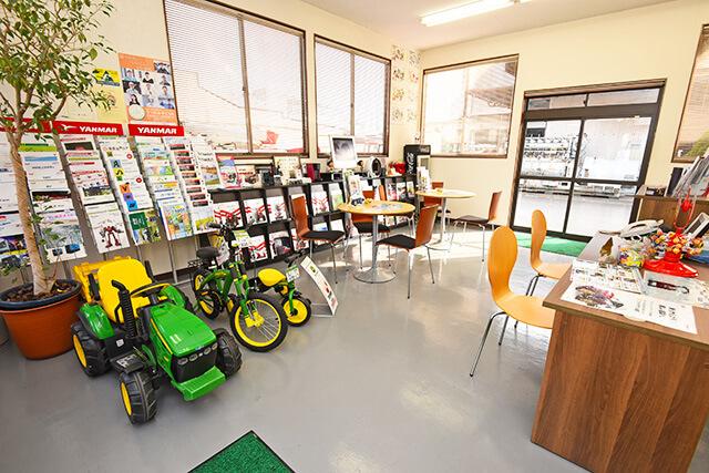 福田機械店の店内
