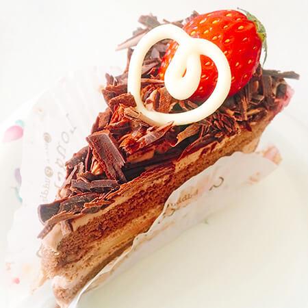 ロンシャン洋菓子店のチョコレートショートケーキ