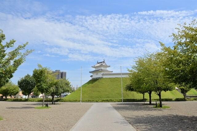 宇都宮城址公園外からの眺め