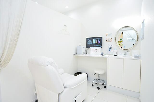 ホワイトニングバーの個室