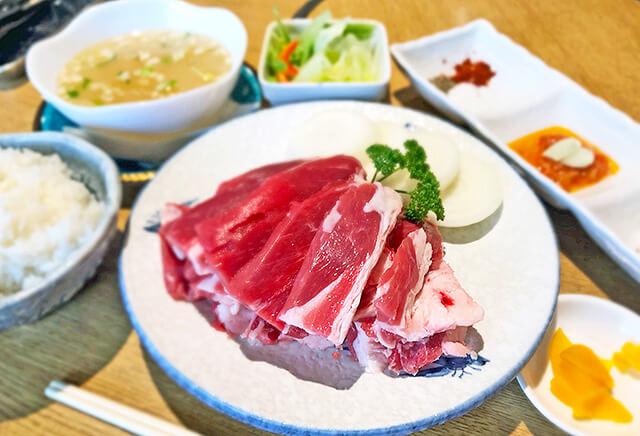 中国西案80年老舗料理ラムの屋