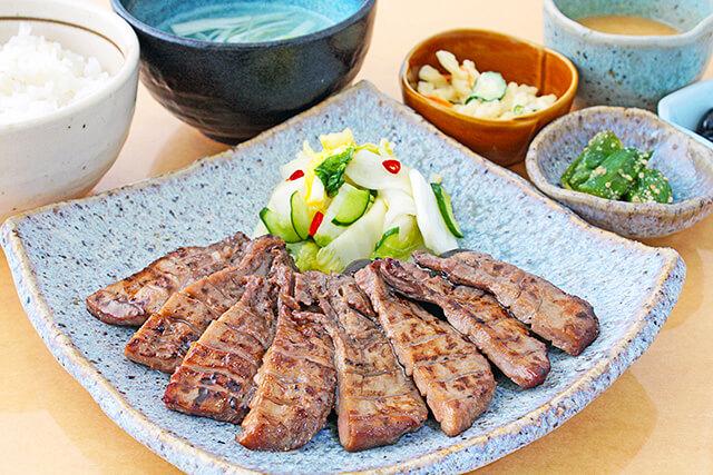 レストラン明治の赤煉瓦牛たんランチ