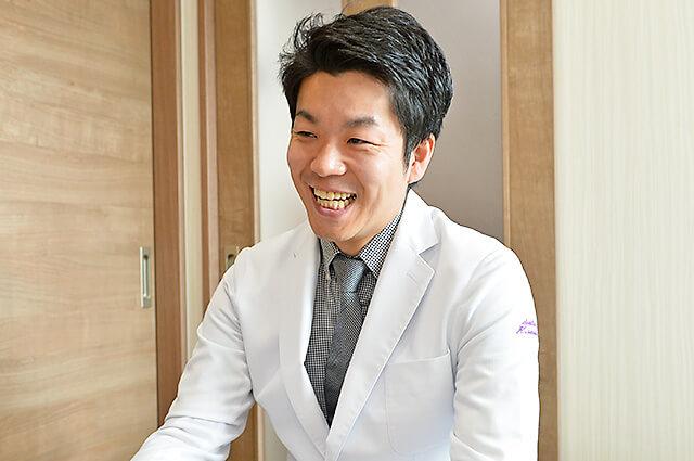佐貫歯科矯正歯科 笑顔がすてきな院長先生