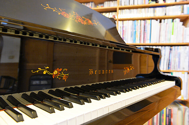 ウジイエピアノ教室にあるピアノ