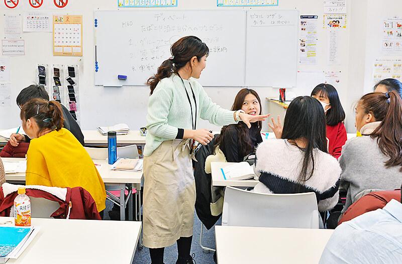 アティスインターナショナル日本語学校 授業風景