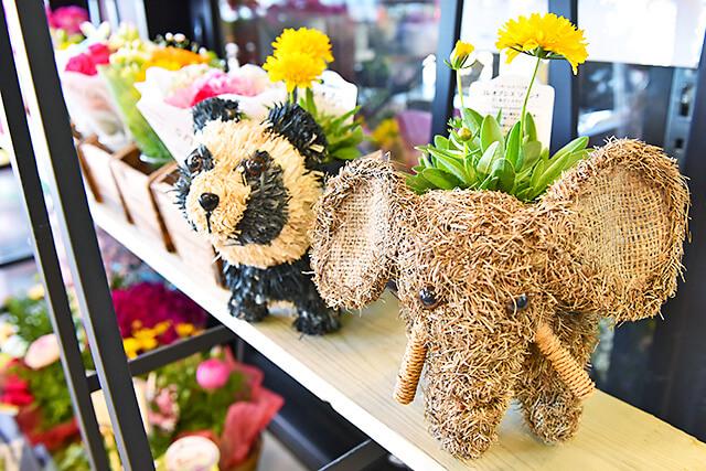花うさぎ 店内に飾られていた動物の形をしたバスケット