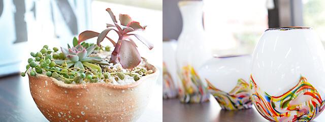 七つ星不動産にある益子焼の鉢植えやガラスの花瓶