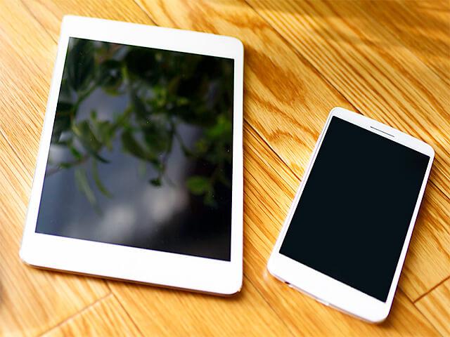 タブレットとスマホイメージ画像